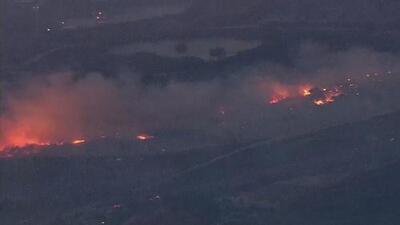 Incendio en Little Mountain causa evacuaciones y devastación en San Bernardino