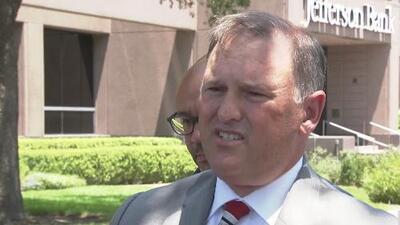 """FBI investiga """"ataque dirigido"""" hacia las oficinas de ICE en San Antonio"""