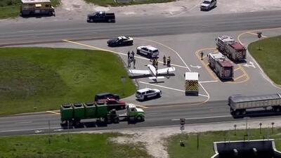 En imágenes: avioneta realiza un aterrizaje de emergencia en la avenida Krome