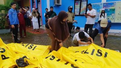 Más de 200 muertos y centenares de heridos tras un tsunami provocado por un volcán en Indonesia