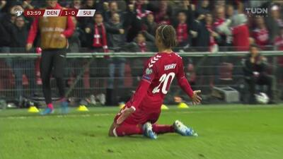 ¡Apareció el invitado especial! Poulsen pone el 1-0 a favor de Dinamarca