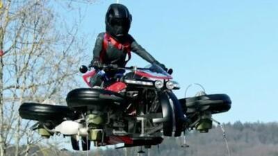 Con esta moto voladora podrás evitar el tráfico y llegar a tiempo a tu destino