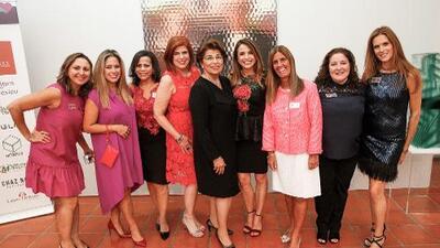 Latinas 4 Latinas continúa con su meta de recaudar fondos para ayudar a latinas con cáncer
