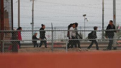 Se mantiene viva la política de enviar a solicitantes de asilo a México: qué sigue tras el fallo del viernes