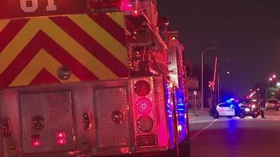 Tres bomberos sufrieron heridas mientras luchaban contra un incendio en una panadería de Montebello