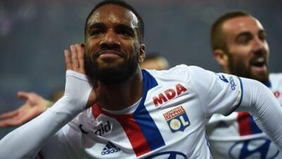 Olympique de Lyon rechazó oferta del Arsenal por Lacazette de $38.4 millones