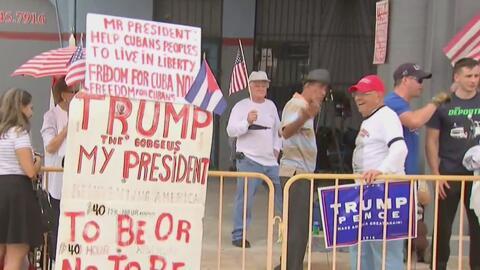 Manifestaciones a favor y en contra de los cambios en la política hacia Cuba se registran en las afueras del Teatro Manuel Artime