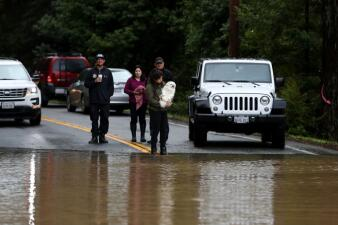 """""""Sin entrada y sin salida"""": Guerneville y Monte Río, las ciudades de California inaccesibles por las lluvias (fotos)"""
