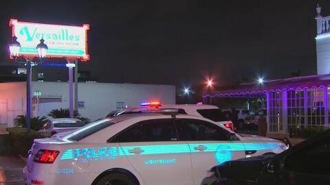 Policía de Miami arresta a dos personas tras incidente en el restaurante Versailles