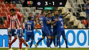 Cruz Azul se despide con contundente victoria