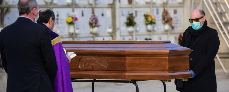 Funerales con menos de 10 personas: estas son las nuevas normas del toque de queda en la Bahía de San Francisco