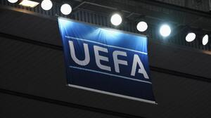 UEFA autoriza cinco cambios en Champions, Europa y Nations League