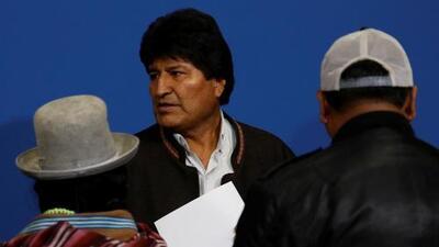En un minuto: Caos institucional en Bolivia tras la renuncia de Evo Morales por presiones militares y protestas