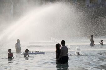 📸 El calor en Francia alcanza niveles históricos y la gente solo busca dónde refrescarse