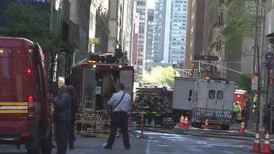 Investigan las causas de cuatro explosiones en alcantarillas que sembraron el caos en Manhattan