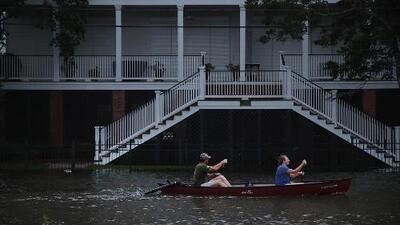 Calles inundadas y árboles caídos: el panorama en varias ciudades de Louisiana azotadas por Barry