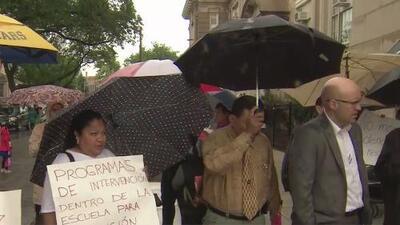 Estudiantes y padres de escuela en La Villita exigen más seguridad a las autoridades tras tiroteo que dejó tres heridos