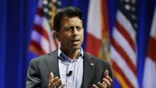 El republicano Bobby Jindal se retira de la campaña presidencial