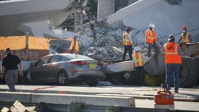 ¿Qué provocó el colapso del puente en Miami? Diversas teorías intentan explicar el trágico derrumbe