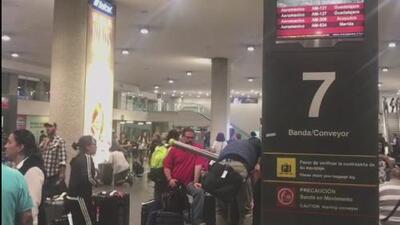 Varios pasajeros tuvieron que pasar la noche en el aeropuerto de Ciudad de México