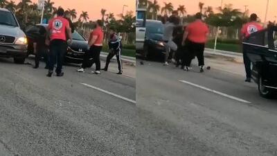 (Video) Se armó tremenda pelea en medio de avenida de Kendall