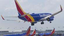 Southwest prohíbe de por vida a mujer acusada de agredir a azafata en un vuelo de Sacramento