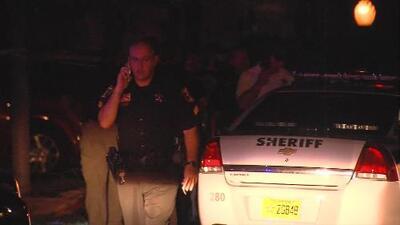 Hombre asesina a un matrimonio en Florida y lo detienen mientras muerde el rostro de una de las víctimas