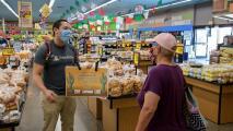 Buscan crear conciencia en los hispanos para evitar la propagación del covid-19