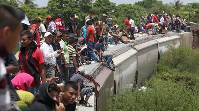 Migrantes hondureños mutilados por 'La Bestia' buscan reunión con Peña Nieto