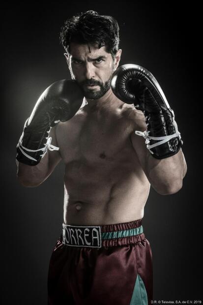 <b>Arturo Carmona</b> es <b>Alejo Correa</b>, abogado y mejor amigo de Ringo, y ayudará al boxeador para que no pierda a su pequeño.