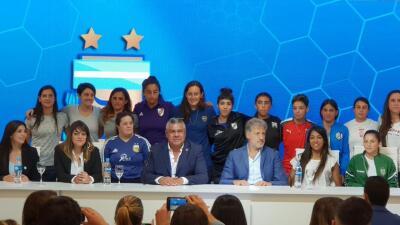 Argentina celebra la profesionalización del fútbol femenino