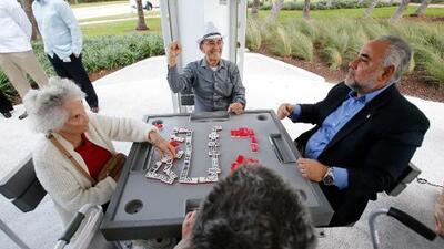 Juegos de mesa para mejorar la salud de los adultos mayores