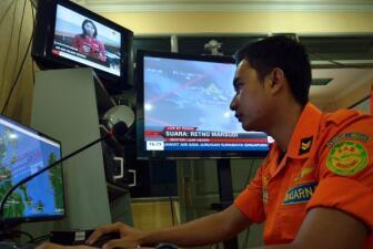 Dolor por la desaparición de avión de AirAsia