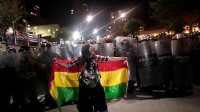 Protestas masivas y denuncias de fraude en Bolivia tras drástico cambio electoral que amplía la ventaja de Evo Morales