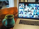 """""""Fatiga de Zoom"""": 4 razones por las que nos agotan las videoconferencias y cómo remediarlo"""