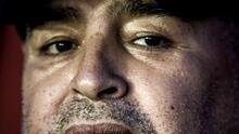 """Maradona """"comenzó a morir 12 horas antes"""" y tuvo un tratamiento """"deficiente"""", señala reporte médico"""