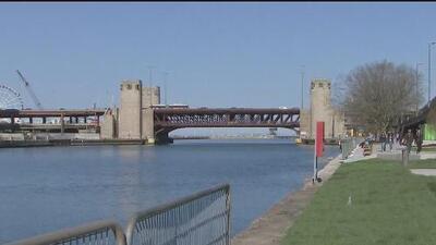Termina la modernización del Chicago Riverwalk East y se espera que cientos de visitantes disfruten de él este verano