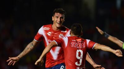 Con dos dentelladas bastó, Tiburones venció 2-0 a Santos