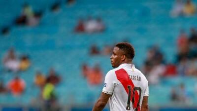 ¡Malas noticias para Perú! Jefferson Farfán es baja por lesión
