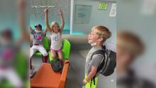 La tierna reacción de alegría de unos niños al saber que su hermano ya tiene donante de corazón