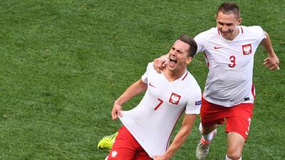 Polonia, a costa de Irlanda del Norte, logró el primer triunfo de su historia en Eurocopas