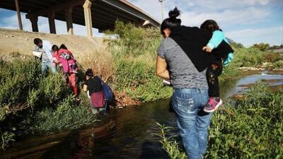 La administración de Trump parece dar marcha atrás a decisión de enviar inmigrantes a ciudades santuario