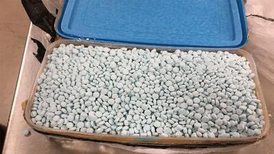 Incautan 30,000 píldoras de fentanilo, el mayor decomiso de la droga en Arizona