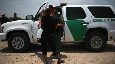 Gobierno reconoce que separó casi a 2,000 menores de sus padres en la frontera y culpa a los demócratas