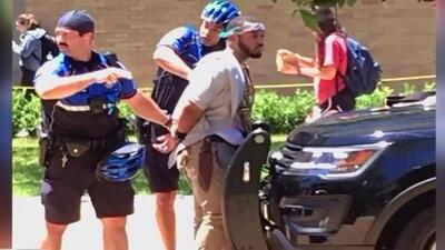 Identifican al sospechoso del ataque con cuchillo que dejó a un estudiante muerto en la Universidad de Texas