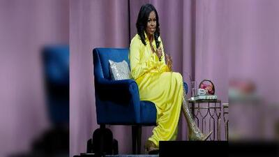 Michelle Obama y sus botas de 4,000 dólares se convierten en la locura en internet