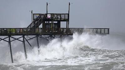 Florence pierde intensidad, pero sus embates ya se sienten en Carolina del Norte