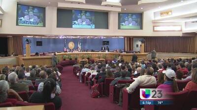 Intensa discusión en Miami Dade por ordenanza dirigida a transexuales