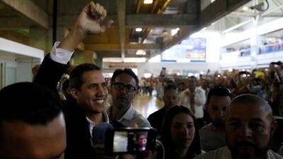 Vuelo 224 o viajar de carambola con el presidente encargado de Venezuela, Juan Guaidó