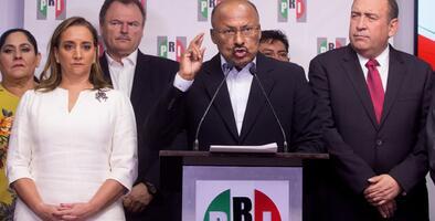 Los partidos mexicanos PAN y PRI cambian a sus dirigentes tras la victoria electoral del izquierdista López Obrador